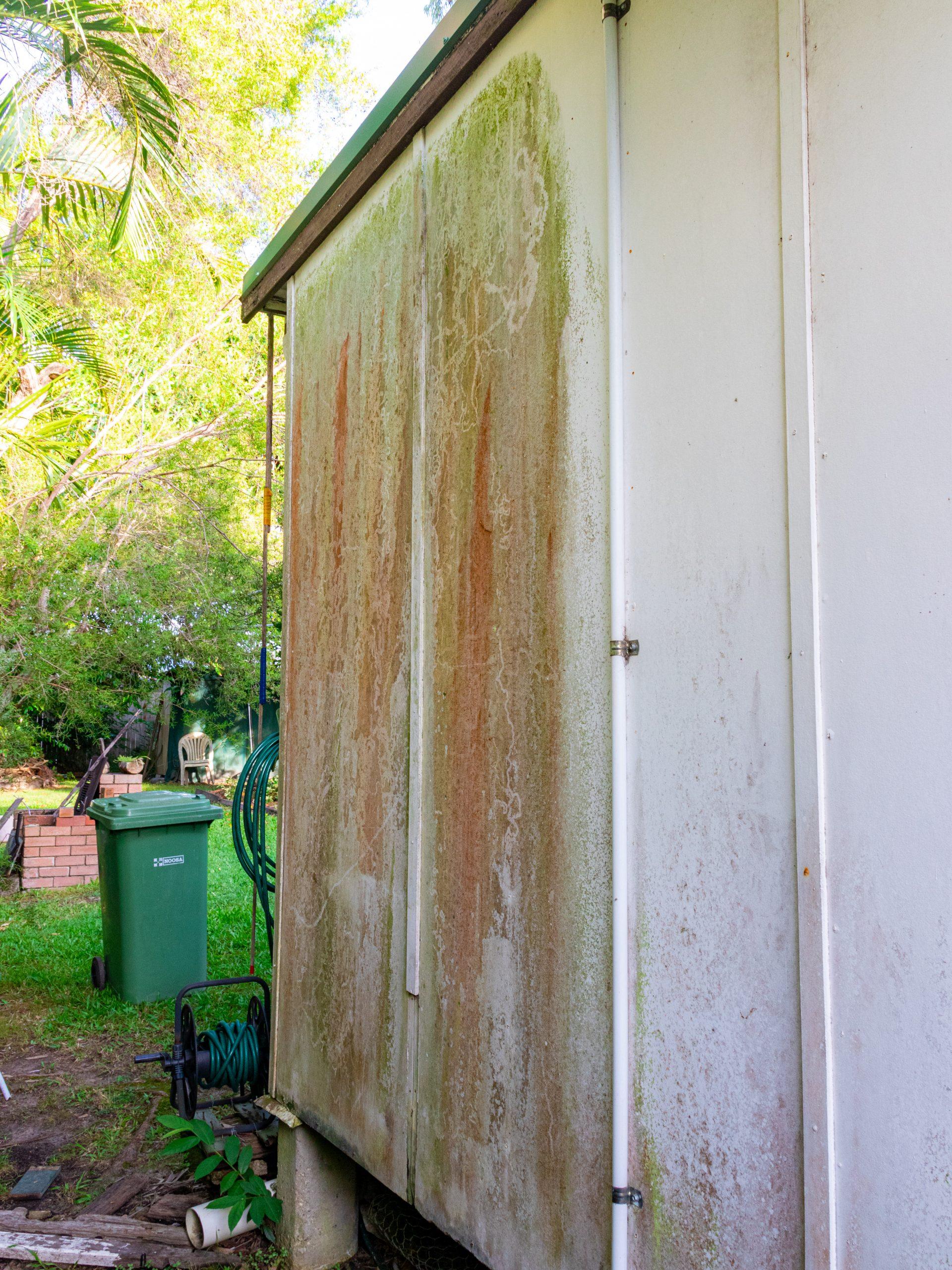 Pressure Washing Brisbane - dirty wall